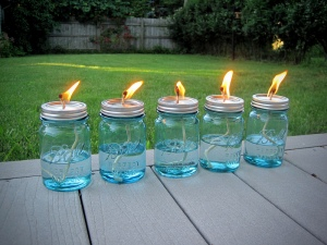 Mason-Jar-Oil-Lams-With-Citronella-To-Keep-The-Flies-Away